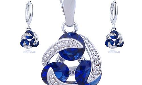 Surprinde-ti persoanele dragi din viata ta in cel mai placut mod cu un set bijuterii cristale de la Cheri Bijou!
