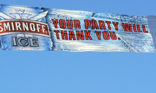 La Drapelul Personalizat producem bannere de avion!
