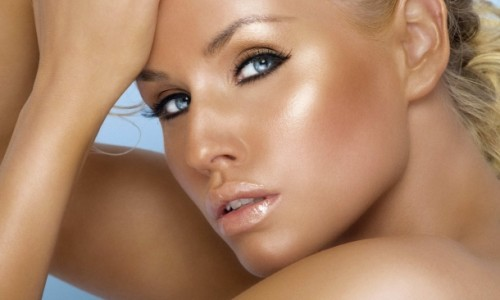 Daca iti doresti sa ai mereu o piele bronzata, apeleaza cu incredere la Black &White – salon bronzare Brasov!