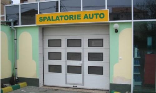 Usi de garaj industriale? Eurokapu Ellady, solutii pentru afacerea ta!