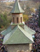 Pelerinajele la Manastirea Prislop o cale buna de a va regasi din punct de vedere spiritual