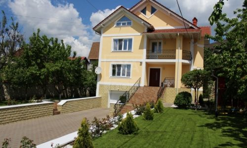 Case Chisinau de la Axaimobil