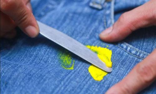 Lucrurile de care trebuie să ții cont atunci când ai murdărit o haină de vopsea